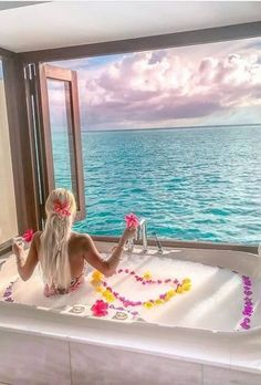 Many couples looking for a beautiful honeymoon beach. See beautiful Greece, incredible Bali, amazing Thailand, Maldives and more on honeymoon images. Unique Honeymoon Destinations, Romantic Honeymoon, Honeymoon Ideas, Amazing Destinations, Travel Destinations, Interior Design Games, Public Garden, Organic Modern, Beach Holiday