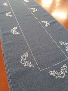 Items similar to Embroidered Christmas Blue Table Runner Napkin ,Cross Stitch Table Runner Gift For Noel,Christmas Guest Table Decor,Cross Stitch Tablecloth on Etsy - Herzlich willkommen Blue Christmas, Christmas Cross, Crochet Design, Wedding Table Linens, Wedding Decor, Bordados E Cia, Christmas Table Decorations, Buffet Decorations, Gifts For Runners