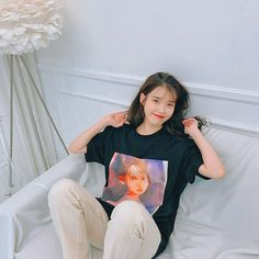 Wallpeper Tumblr, Korean Drama Stars, Korean Best Friends, Instyle Magazine, Cosmopolitan Magazine, Korean Shows, Old Photography, Cute Poses, Types Of Girls