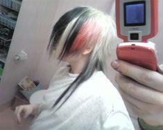 Crazy hair by Dominooo on DeviantArt Lilac Hair, Pastel Hair, Green Hair, Purple Hair, Indie Scene, Emo Scene, Kurt Cobain, Emo Princess, Long Gray Hair