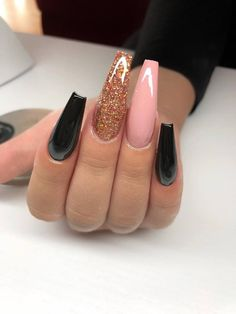 How to choose your fake nails? - My Nails Aycrlic Nails, Dope Nails, Hair And Nails, Prom Nails, Gorgeous Nails, Pretty Nails, Nagel Bling, Coffin Nails Long, Best Acrylic Nails