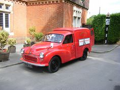 Morris 1000 Post Office Van photos, picture # size: Morris 1000 Post Office Van photos - one of the models of cars manufactured by Morris Classic Trucks, Classic Cars, Old Lorries, Morris Minor, Vintage Vans, Commercial Vehicle, Royal Mail, Post Office, Specs