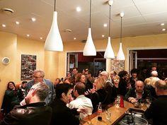 Apéro et live music @lacaveveillon  Un sympathique et agréable moment en toute convivialité   #lacaveveillon #instanissa #livemusic #apero #nodresscode #pasdechichi by lacaveveillon at http://ift.tt/1WK9zh2