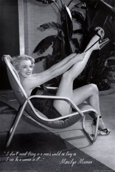 Google Image Result for http://bahcecikdevekusu.com/zambaba/wp-content/uploads/2011/04/Marilyn-Monroe-Pin-Up-Legs.jpg