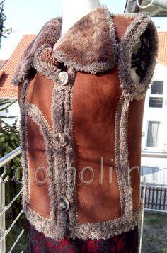 жилет на манекене Refashion, Reusable Tote Bags, Fur, Coat, My Style, Womens Fashion, Handmade, Jackets, Dressmaking