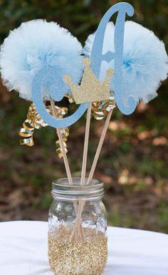 Deko in Gold und Blau in einem Einweckglas