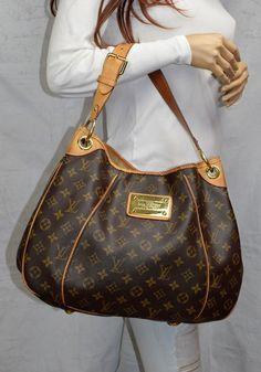 e7224a3e3bd06 LOUIS VUITTON Monogram Canvas Galleria PM Handbag. Torebki ...