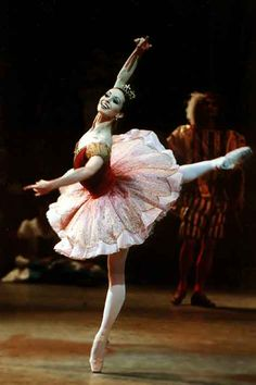 "I like this picture because I believe it perfectly catpures the amazing talent in Russian ballets. This is of Diana Vishneva as Aurora in ""The Sleeping Beauty"" (Mariinsky Ballet) Ballet Photos, Dance Photos, Shall We Dance, Just Dance, Ballet Costumes, Dance Costumes, Sleeping Beauty Ballet, Ballet Dancers, Ballerinas"