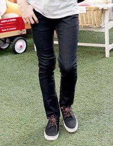 Today's Hot Pick :时尚修身纯色牛仔裤—街头百搭 http://fashionstylep.com/SFSELFAA0003962/top3666cn/out 这款牛仔裤独特的剪裁设计,符合人体版型,增加穿着时的舒适性~优质的辅料,精致的撞色走线,打造高品质的时尚享受~独特的金属拉链装饰,将裤子装饰的鲜明潮流~时尚百搭,简单随意中透露着潮流追求~每个男人都应该拥有这样一条好完美的牛仔裤 -牛仔裤 -纯色 -修身 -百搭 -两色可选