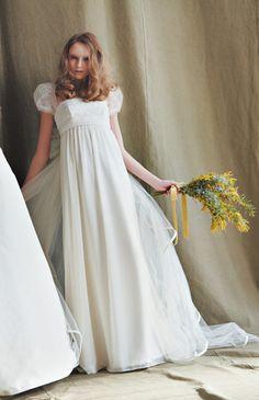 No.45-0021風にそよぐ滑らかなジョーゼットがナチュラルな表情を醸し出すドレス
