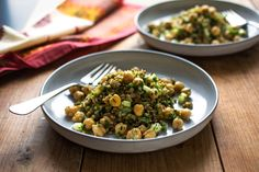 There is a lot to love about freekeh, an earthy grain that I'd like to see catch on in more kitchens It cooks up in about 25 minutes, and it's light, like coarse bulgur, which it resembles, except that the color is darker and greener But freekeh has a more complex flavor than bulgur