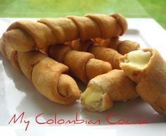 Deditos de Queso, Colombian food, appetizer, Cheese fingers, No fry alternative to mozzarella sticks. During Aruban parties they serve the basic snacks which includes these Colombian Dishes, Colombian Cuisine, Colombian Recipes, Tapas, Dominican Food, Comida Latina, Food Places, Latin Food, Appetisers
