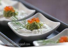 Cateva dintre aperitivele festive de la masa de Craciun: Aperitiv cu crema de branza, crema de avocado si manciuria Salata de vinete...