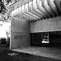 Nordic pavillion at the Venice Biennale by Sverre Fehn (1962)