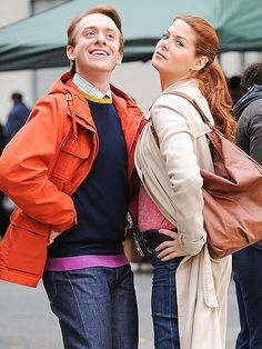 Star Tracks: Tuesday, October 21, 2014 | FACE OFF | Work that attitude! Debra Messing and her The Mysteries of Laura costar Max Jenkins go head-to-head while filming in New York City on Monday.