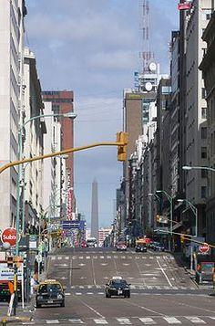Corrientes Avenue Buenos Aires  La calle Corrientes bonaerense era el eje de la vida nocturna y bohemia de la capital argentina. En sus bares y teatros se acuño el tango.