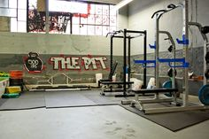 Converted warehouse to a home gym. Warehouse Gym, Converted Warehouse, Warehouse Conversion, Basement Gym, Garage Gym, Home Gym Design, House Design, Gym Plan For Women, Diy Home Gym