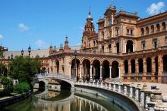 Seville In One Day: Santa Cruz Quarter, Royal Alcazar Palace, Seville Cathedral, Royal Maestranza Bullring and River Cruise