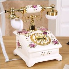 Vintage Phones, Vintage Telephone, Boudoir, Home Phone, Office Essentials, Office Equipment, White Home Decor, White Houses, Old Antiques