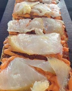 Pan de cristal con paté de olivas negras, salmorejo y bacalao ahumado. | #Tapasconarte