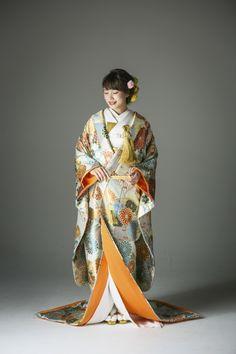 モダンレトロ/ポップ/かわいい 色打掛 菊花青海紋 白/ベージュ/クリーム