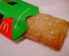 McDonald's Pie was deep fried awesome! Some KFCs offer Apple turnovers.deep fried that look and taste close to McDonald's use to! Mcdonalds Apple Pie, My Childhood Memories, Childhood Toys, 80s Kids, I Remember When, Oldies But Goodies, Good Ole, Ol Days, My Memory