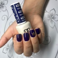 DND 622 Dnd Nail Polish, Blue Nail Polish, Gel Polish Colors, Nail Polish Designs, Nail Designs, Dark Blue Nails, Blue Gel, Dnd Shellac Colors, Nail Colors