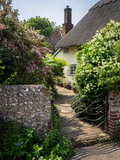 Rodmell is a picturesque little village that includes Monk's House, the home of author Virginia Woolf for twenty-one years until her death in 1941 and now a National Trust property.