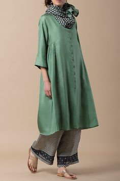 Terrific No Cost lagenlook Sewing patterns Concepts 32 Trendy sewing patterns lagenlook linen dresses Indian Attire, Indian Wear, Indian Outfits, Hijab Fashion, Boho Fashion, Fashion Dresses, Simple Dresses, Casual Dresses, Hijab Stile