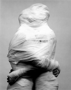 Robert Mapplethorpe, White Gauze (1984).