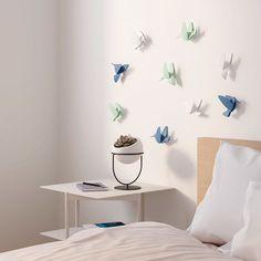 9 tvarovaných kolibříků k dekorování zdí podle vaši fantazie. Rozměry: 10 x 12,5 x 2,5 cm.