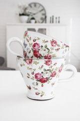 Teacup - red roses