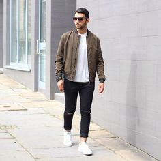 Fall outfit ideas for men.. #mens #fashion #style Best Mens Fashion, Mens Fashion Suits, Fall Fashion Outfits, Mode Outfits, Men's Fashion, Fashion Styles, Fashion Outlet, Fashion 2020, Paris Fashion