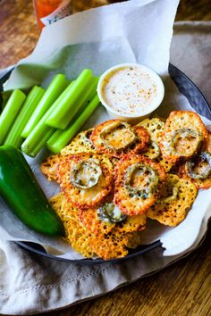 Easy Baked Jalapeno Cheese Crisps! Low carb gluten free cheese crisps ...