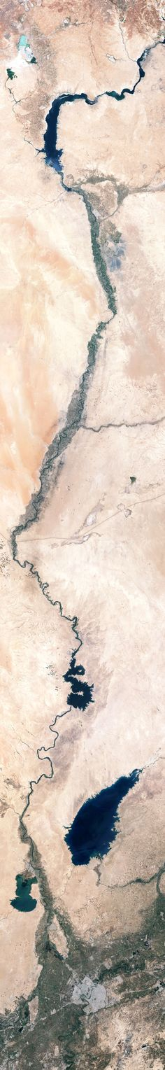 The victories gained by the militant group calling itself the Islamic State in Iraq and Syria were built on months of maneuvering along the Tigris and Euphrates Rivers.