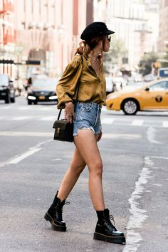These boots are made for walking: 7 mid-season looks to rock with boots - Luanna – shorts, shirt and boots – boot – mid season – street style - Edgy Outfits, Short Outfits, Spring Outfits, Cool Outfits, Fashion Outfits, Womens Fashion, Fashion Trends, Fashion Tips, Street Style Rock