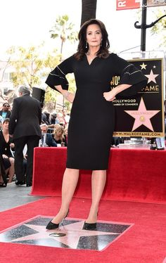 Lynda Carter (Finally) Receives A Star On The Hollywood Walk Of FameYou can find Hollywood stars and more on our website.Lynda Carter (Finally) Re. Linda Carter, Hollywood Walk Of Fame, Hollywood Stars, Wonder Woman Pictures, Dame Helen, Bionic Woman, Celebrities Then And Now, Old Movie Stars, Gal Gadot
