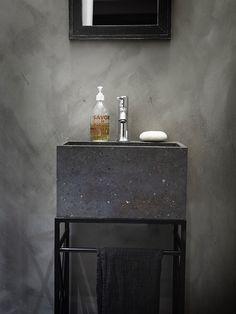 Hus Voksenkollen — Corniche Interior Design Lodge Bathroom, Laundry Room Bathroom, Sweet Home, Vanity, Interior Design, Deco, House, Cornice, Design Interiors