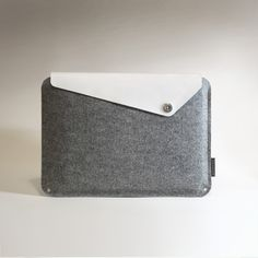 Slanted MacBook Pro Sleeve - White Leather with Grey Wool