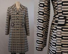 Vintage coat GET IN MY CLOSET!