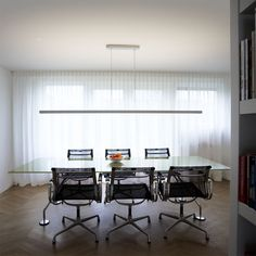 Private interior by Annekoos Littel interiorarchitects BNI #interior #interieur #annekoos #bni #architecture #diningtable #curtains #diningroom