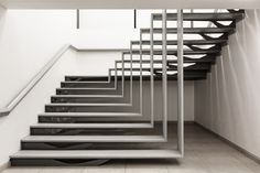 Professionals in staircase design, construction and stairs installation. In addition EeStairs offers design services on stairs and balustrades. Interior Stairs, Interior Architecture, Staircase Architecture, Contemporary Architecture, Interior Design, Escalier Design, Home Modern, Stair Handrail, Railings