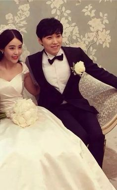 Super Junior's Sungmin and Kim Sa Eun tie the knot + wedding pictorial Siwon, Heechul, Yesung, Super Junior, Lee Sung Min, Tie The Knot Wedding, Last Man Standing, This Is Love, Btob