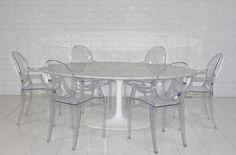 Salle a dejeuner- Eero Saarinen Style Oval Marble Dining Table