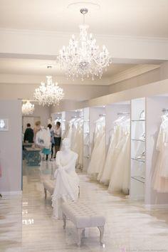 BRAUTBLÜTE Concept Boutique www.brautbluete.de www.facebook.com/Brautbluete Ostwall 50 in 47798 Krefeld