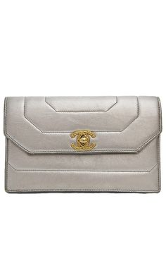 Chanel Silver Clutch l Vaunte