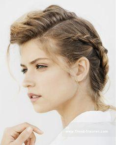 Franck Provost Mittel Blonde weiblich Gerade Farbige Multi-tonalen geflochtene Hochsteckfrisur Französisch Frauen Frisuren