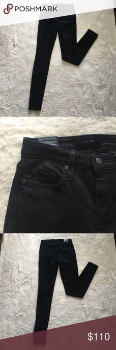 Joe's Black Skinny Jeans! Joe's Black Skinny Jeans! There are Jeans that every woman should have! Black jeans that match just about everything! Wear with a t-shot or a cute tank top! Match it with a sweater and boots in the winter! The options are unlimited with these Jeans! Joe's Jeans Jeans Skinny