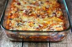 All your favorite pizza flavors baked together in a hearty, crowd-pleasing casserole that comes together quickly for a perfect weeknight meal. Only 319 calories or 9 Weight Watchers SmartPoints per serving! www.emilybites.com