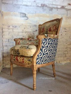 Vintage French Provincial Bergere Loveseat Settee Sofa Floral By